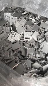 Nickel en loodvrij metaal